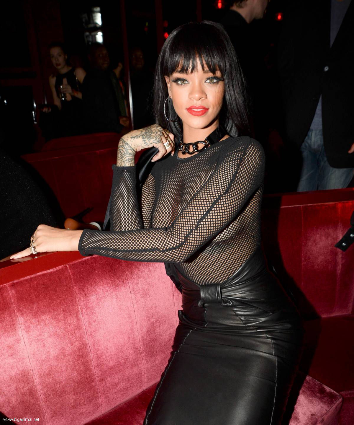 Rihanna - Balmain Fashion Show Afterparty (13 HQ fotografija)