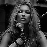 Kate Moss photoshoting 2004