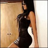Seksi djevojke u uskim haljinama