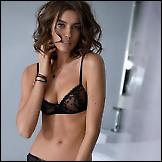 Irina Sheyk reklamira donje rublje