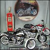 Impresivna zbirka modela motora