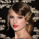 Taylor Swift - topless  slika s mobitela