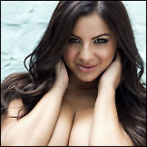 Lacey Banghard – Nuts magazin topless