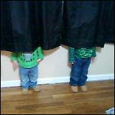 Djeca igraju skrivača