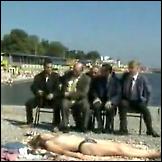 Kazalište na topless plaži