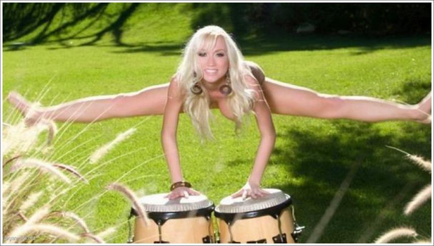 Fleksibilna djevojka i bubnjevi