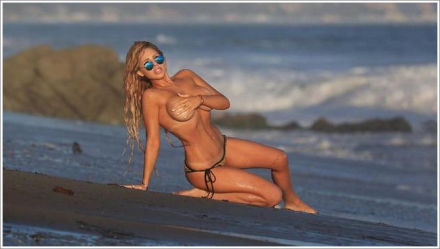 Francesca Larraine - topless na plaži (HQ)