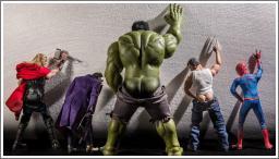 Tajni život Superhero igračaka by Edy Hardjo