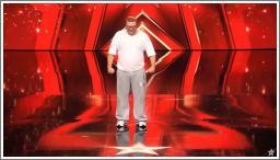 Plus-size break dancer Andreas Maintz