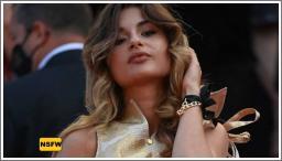 Nepoznata ljepotica pokazala je grudi na filmskom festivalu u Cannesu