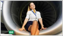 Seksi stjuardese u uniformi i bez nje №7