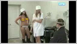 Medicinske sestre isprobavaju donje rublje